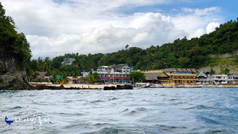 빅 라라구나 비치를 바다쪽에서 바라본 풍경